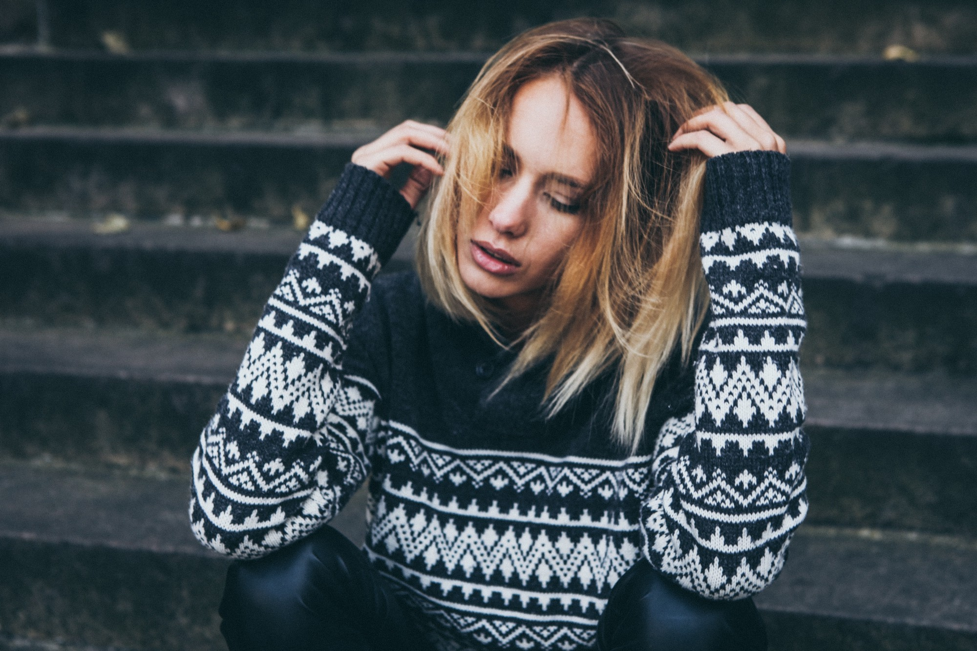 8 Effective Rules That Will Help You Reduce Stress on Workdays — woman with Icelandic sweater