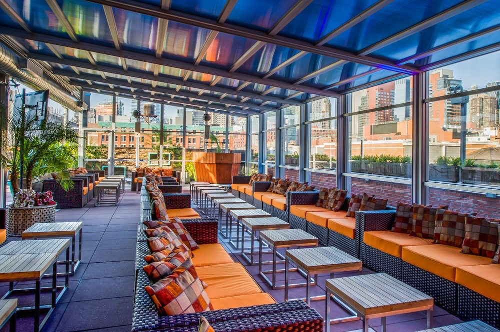 Best Rooftop Bars in Midtown NYC - The Moved Blog