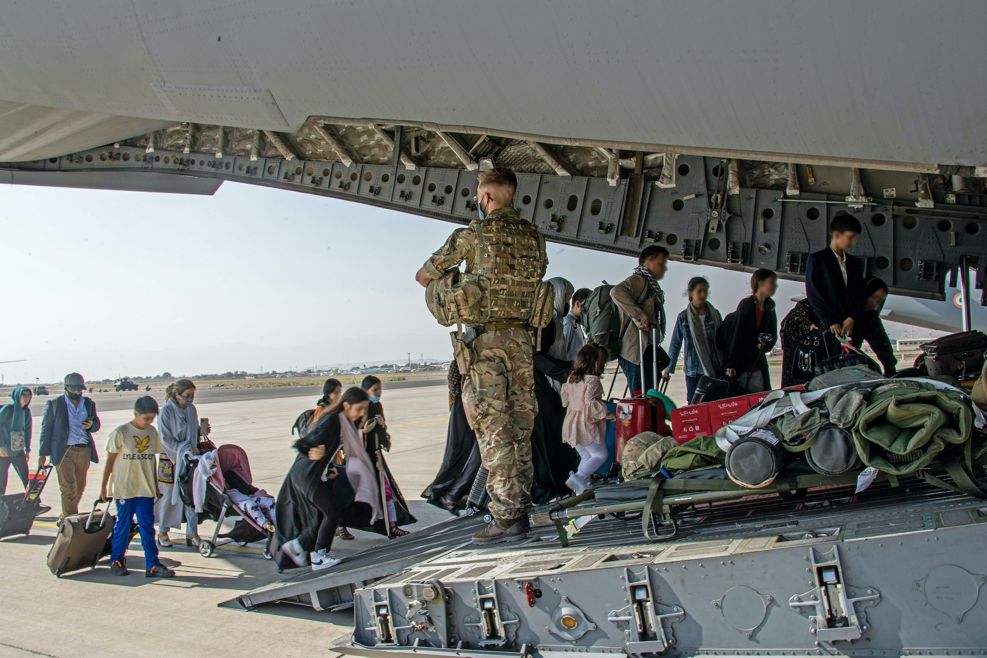 Image of British citizens and dual nationals residing in Afghanistan being relocated to the U.K.