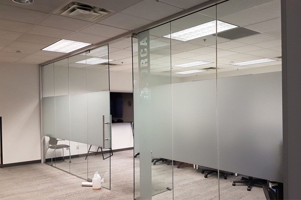 office glass partition contractor