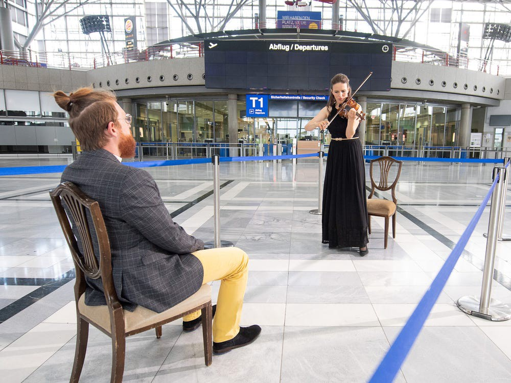 A one-on-one concert at Stuttgart Airport. Sebastian Gollnow/picture alliance/Getty