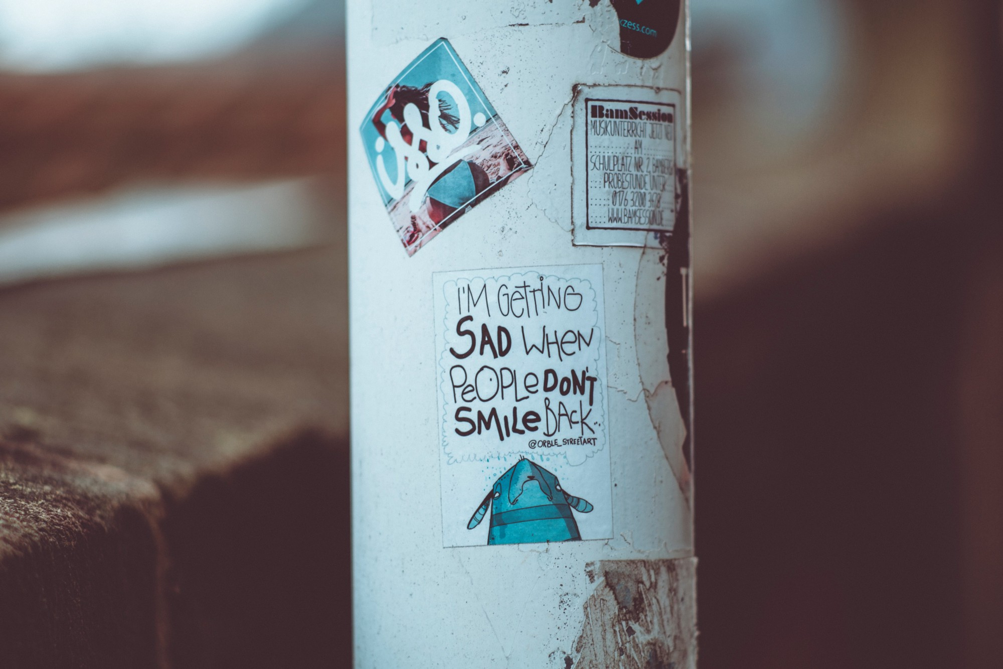 "Poster saying ""I'm getting sad when people don't smile back"""