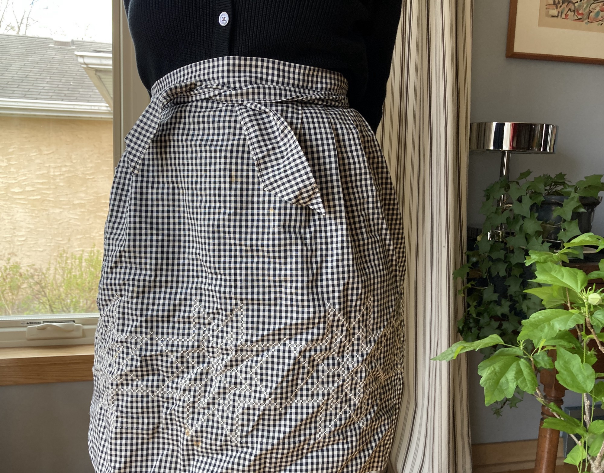 B & W gingham apron with snowflake embroidery