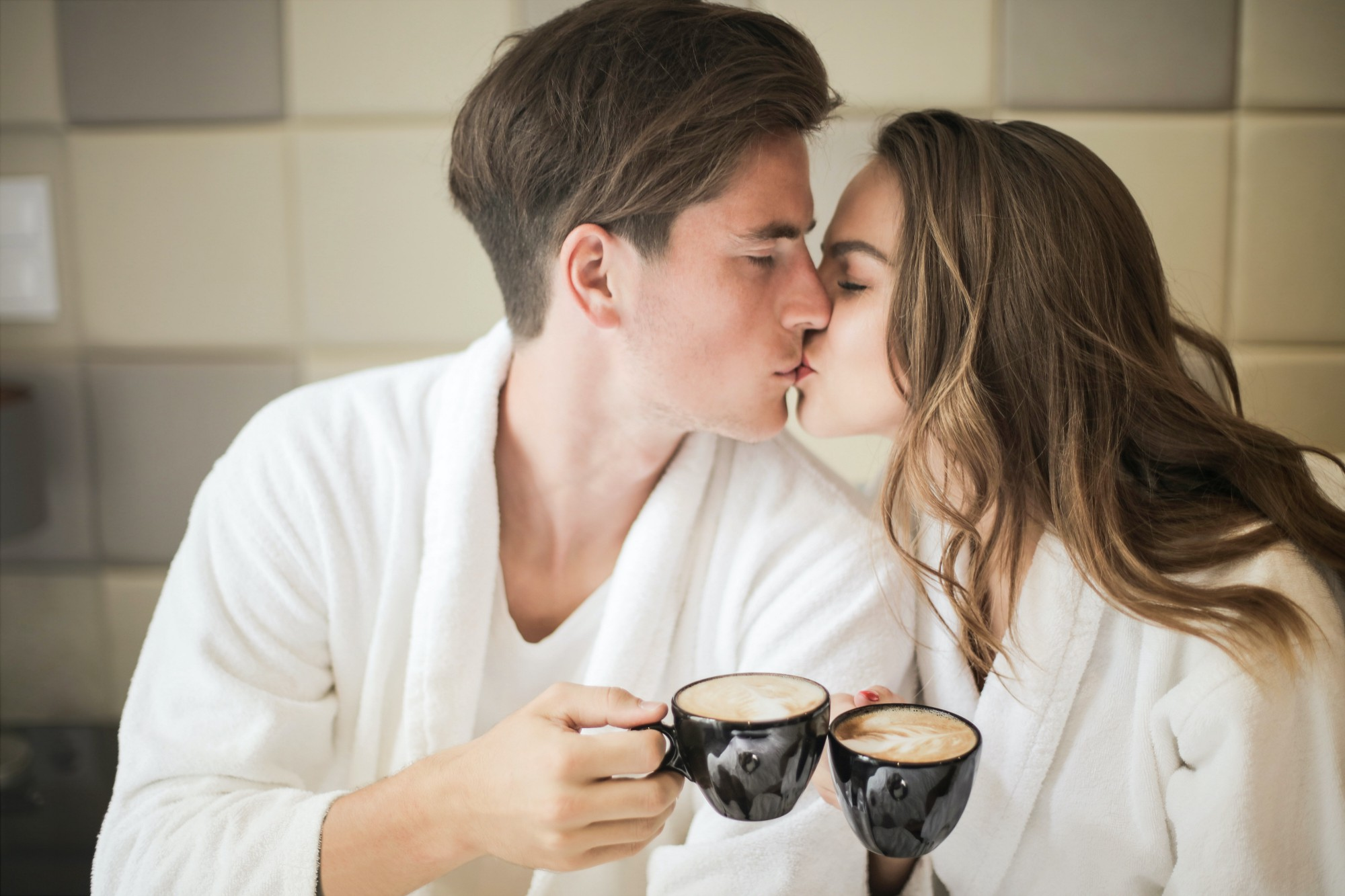 5 Little Things Stable Couples Do for Each Other Every Day