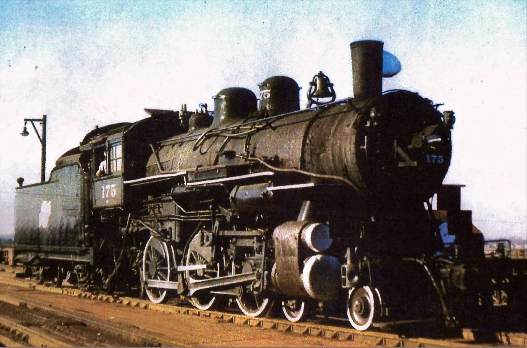 A color photograph of Chicago and North Western engine no. 175, from about 1908.
