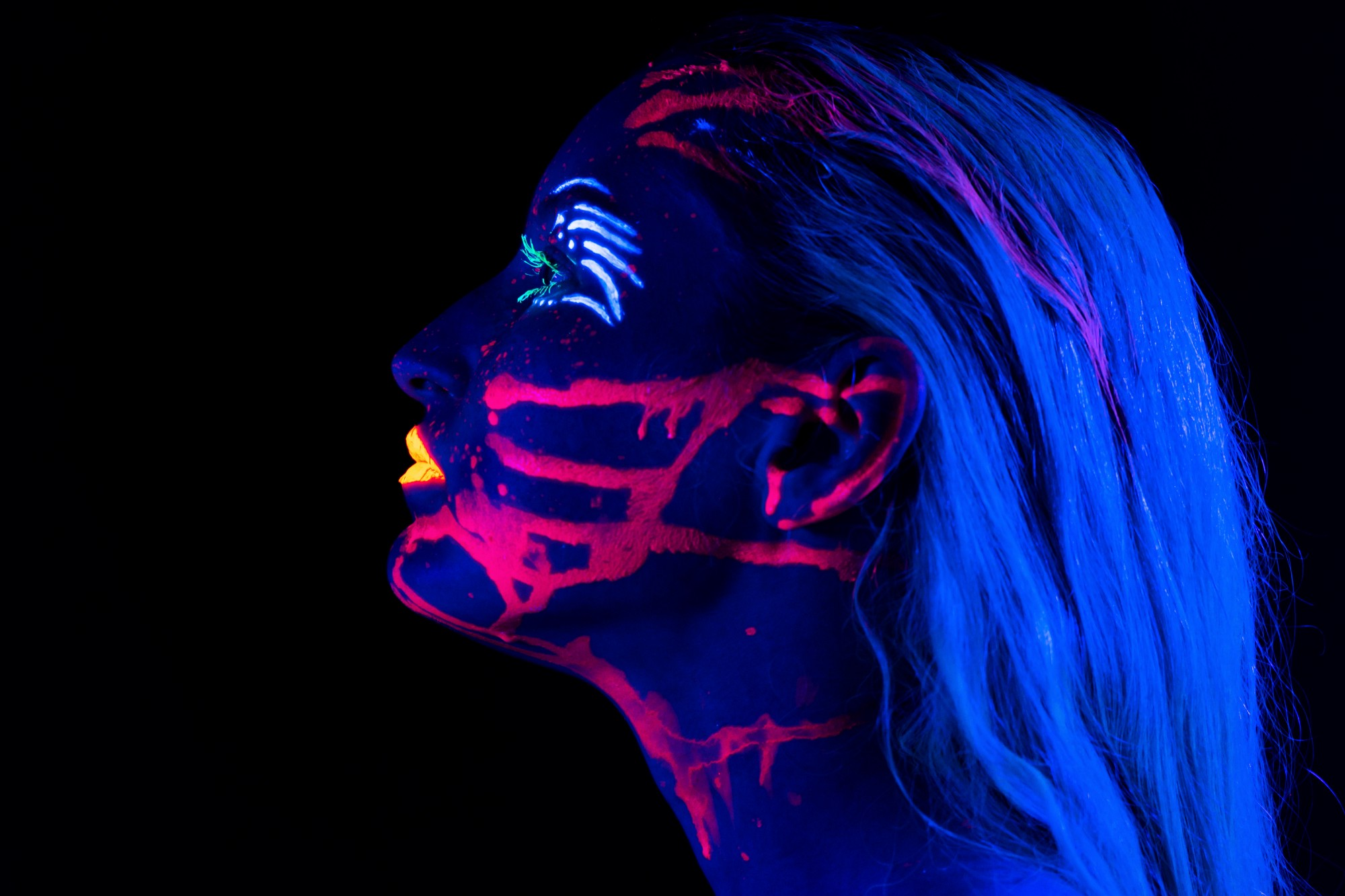 Neon bright woman, anxiety