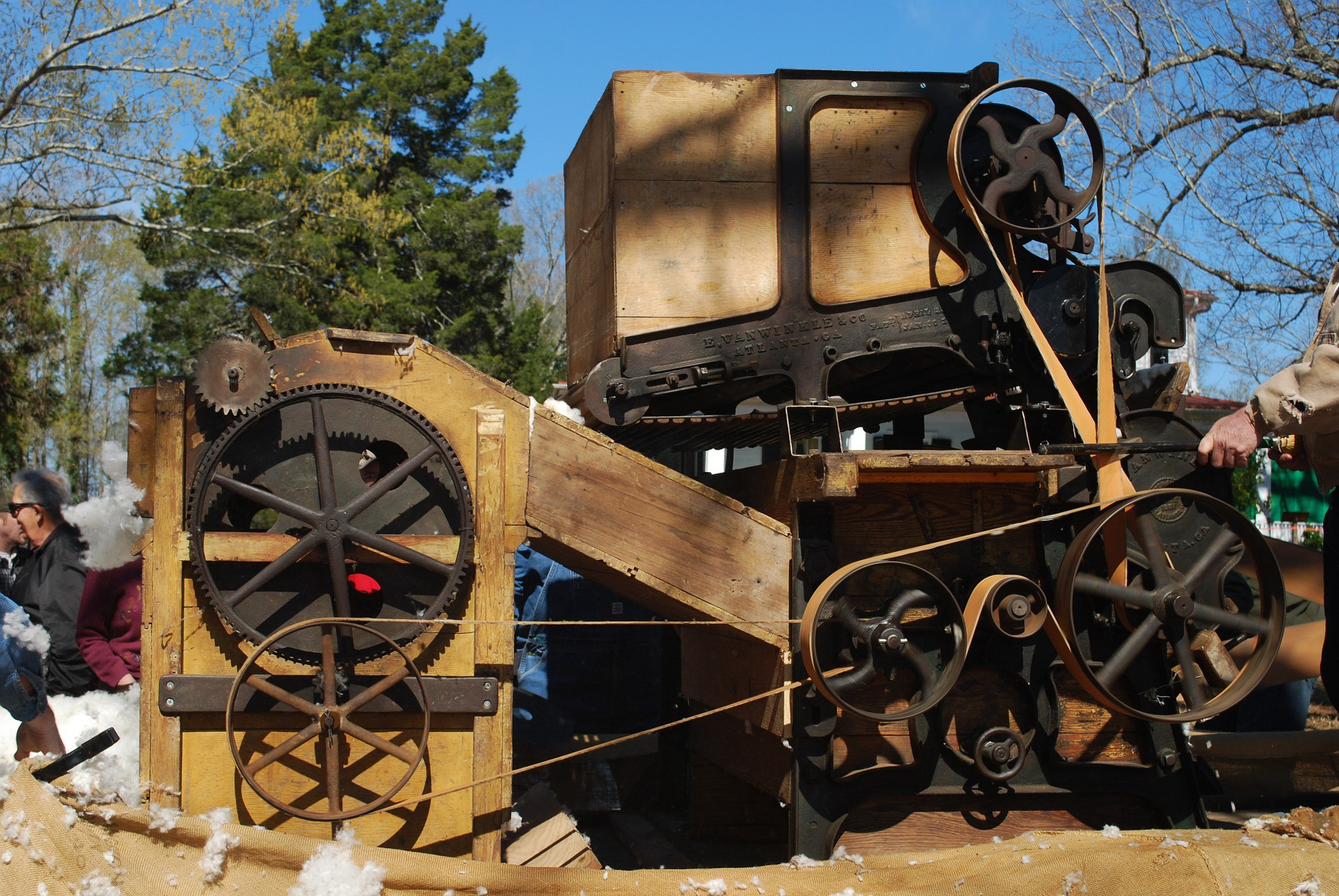 a cotton gin was a machine that removed seeds from cotton