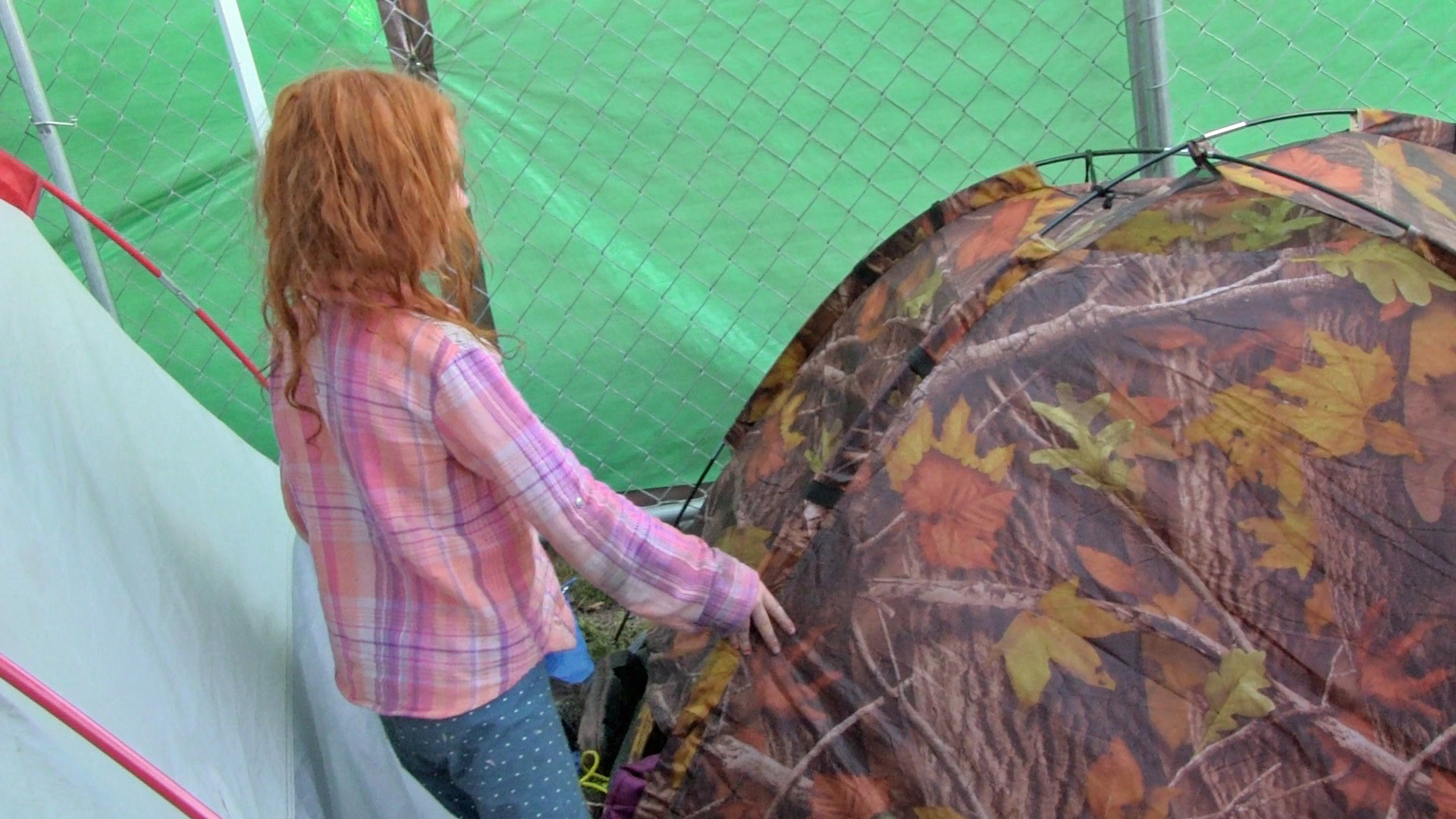 girl in a tent because of homelessness