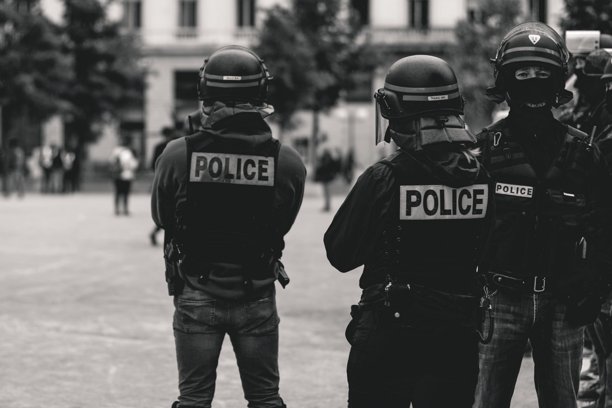 Photo of French policemen