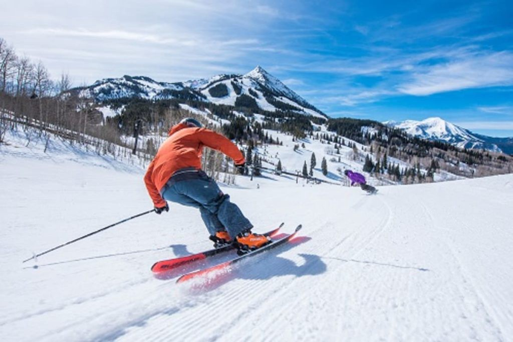 Skiing in Crested Butte