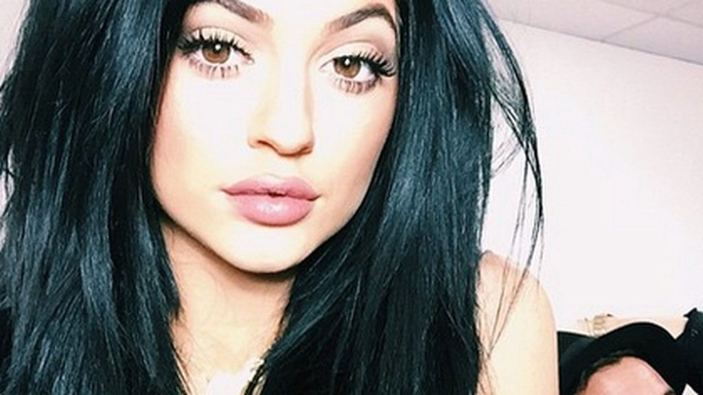 Best 16 Hd Kylie Jenner Wallpaper For Desktop Sizling