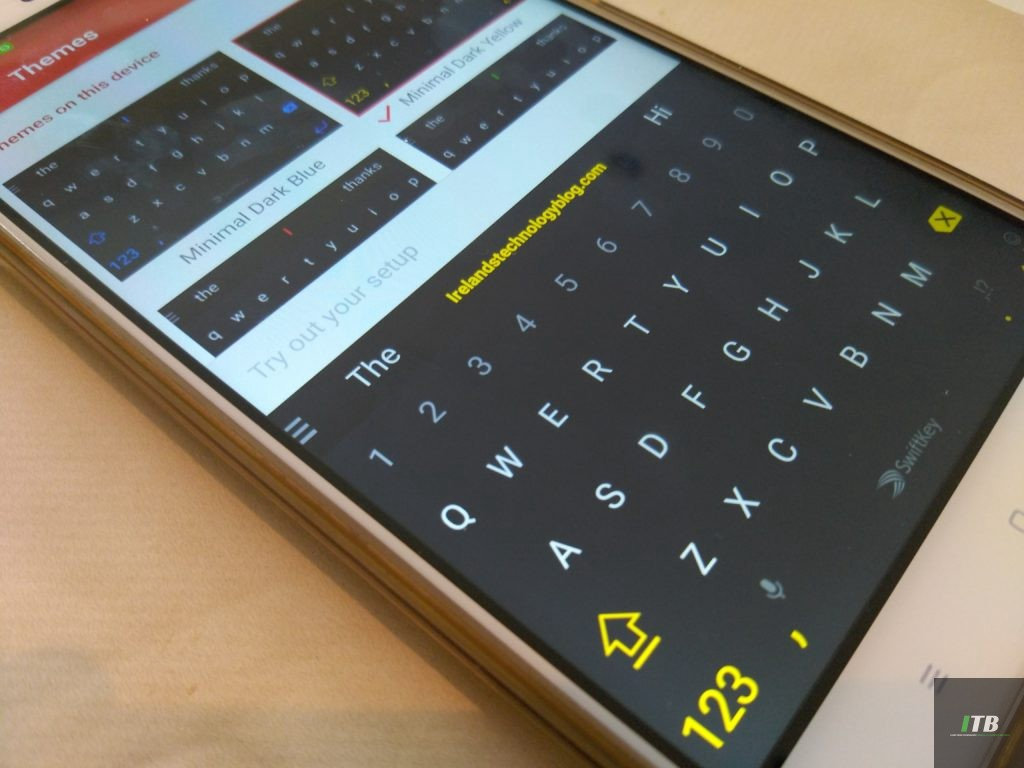 SwiftKey makes all Android and iOS themes free for Christmas