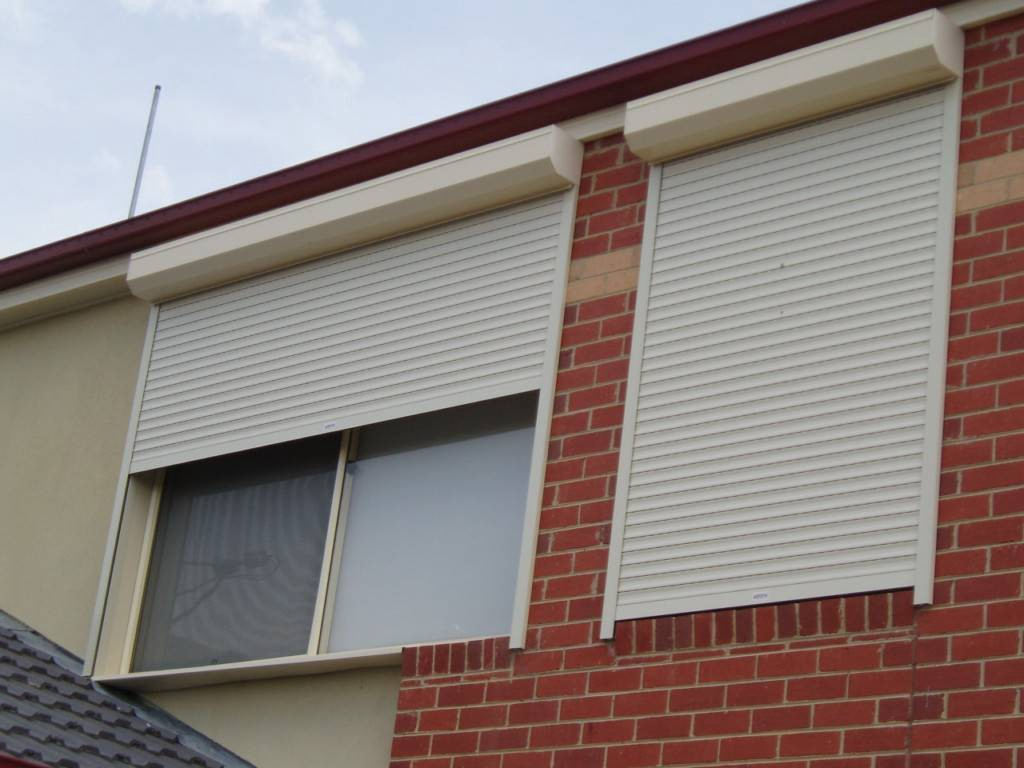 Four Main Advantages Of Installing Roller Shutter To Your