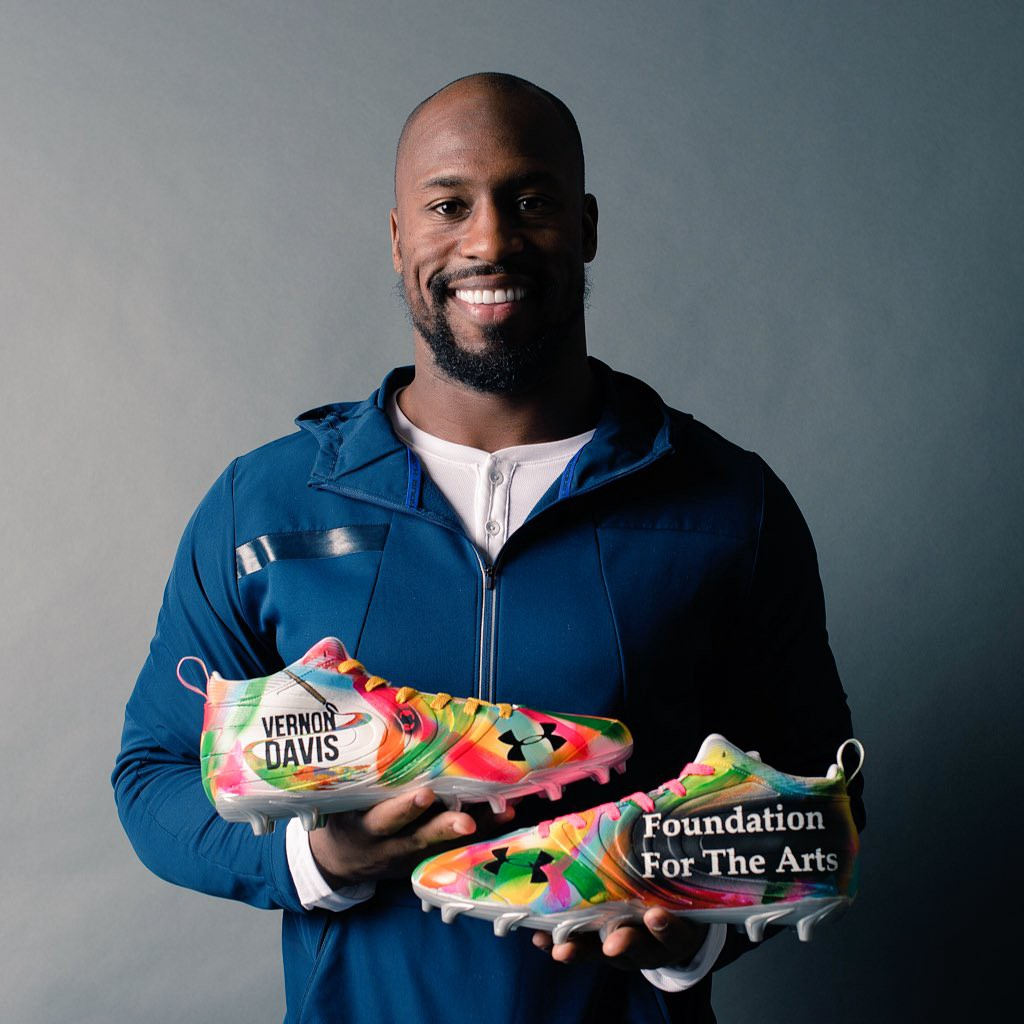 Sports Stars Making a Social Impact: Vernon Davis is helping to