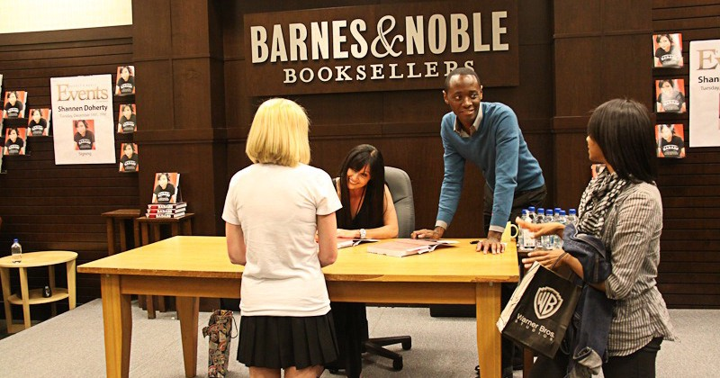 Book Signing Ideas for a Successful Book Promotion