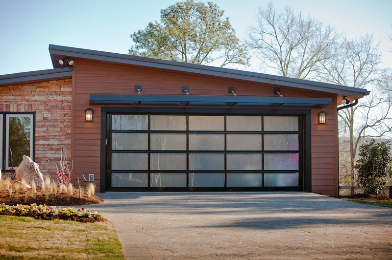 Important Points To Note About Roll Up Garage Doors