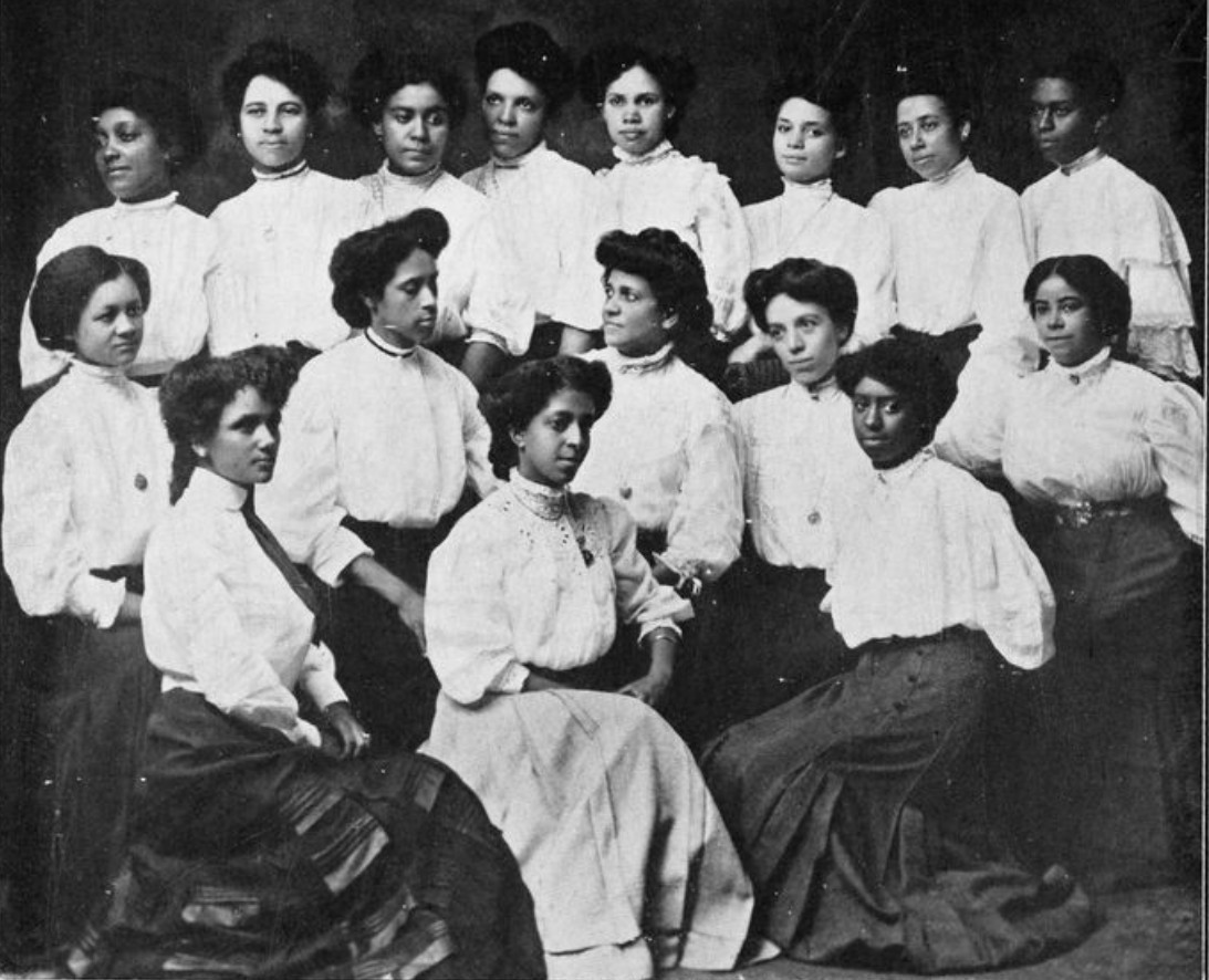 A Social Club of Young Black Women Who Overcame Discrimination in the Early 20th Century