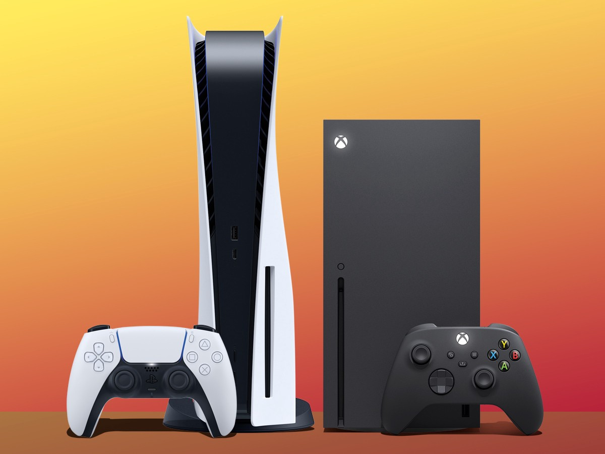 PlayStation 5 and Xbox Series X Side-by-side