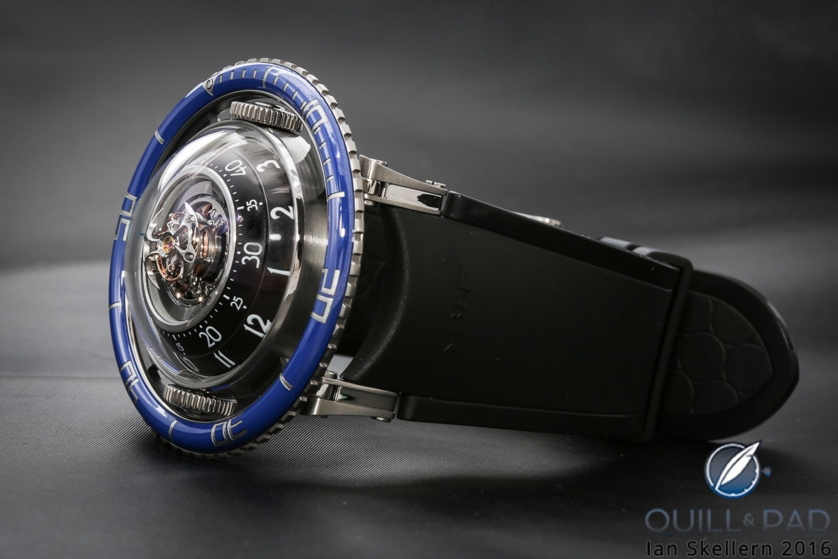 View though the domed display of MB&F HM7 Aquapod