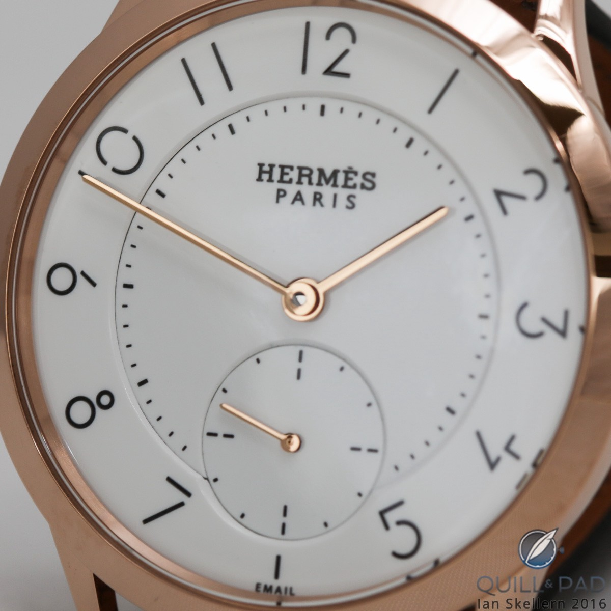 A closer look at the enamel dial of the Slim d'Hermès Email Grand Feu