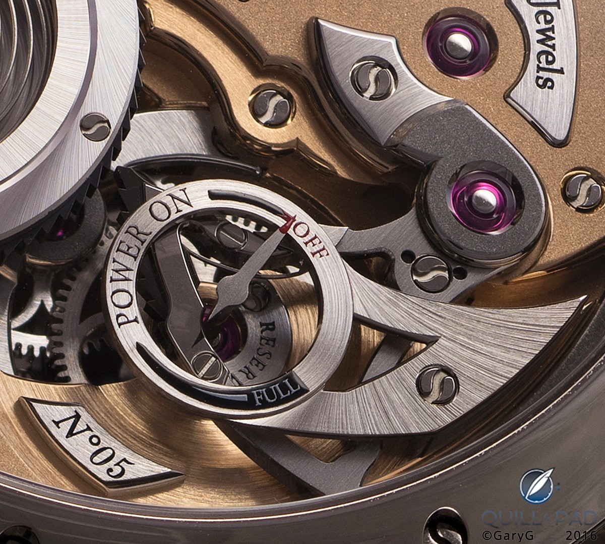 Movement detail: winding system and power reserve of the Romain Gauthier Logical One