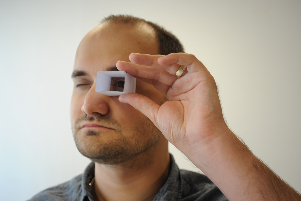 Remember to place the Finder against your eye or glasses completely when using
