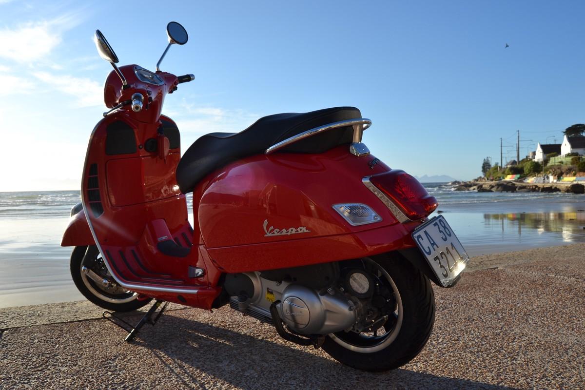 Road Test: 2015 Vespa GTS300 Super - Rocking Bikes - Medium