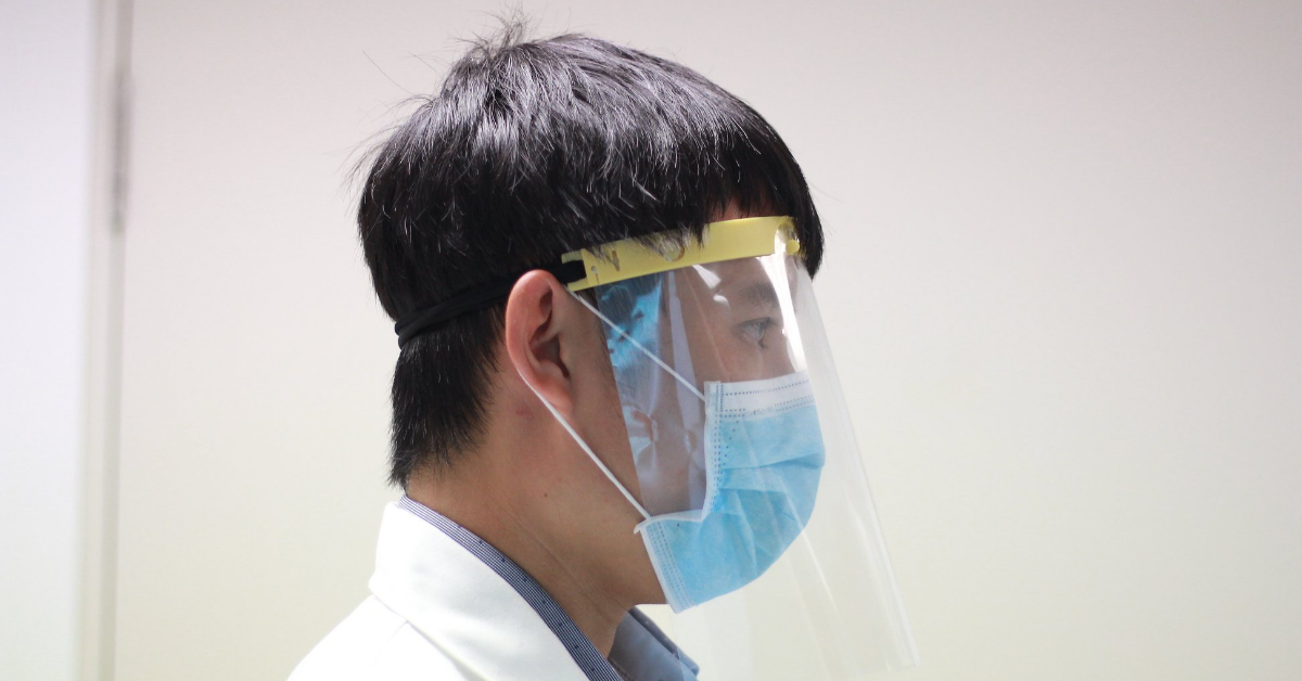 A face shield that has been manufactured by Structo, a 3D printer solution provider and former NUS Enterprise incubatee