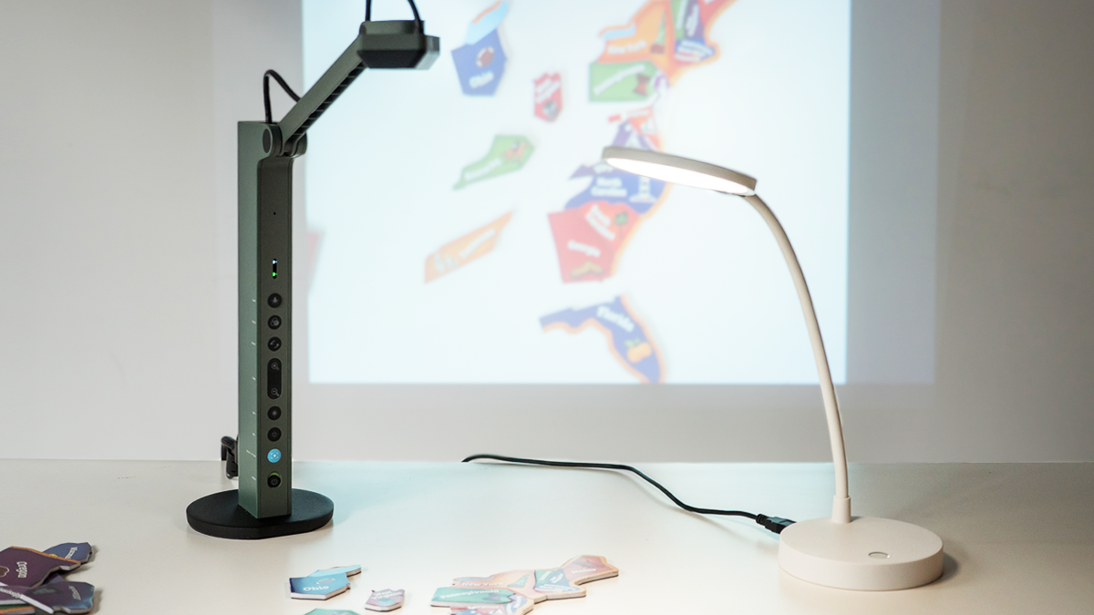 Add additional illumination with the LED desk lamp, and/or use the built-in battery to provide power for your VZ-R.