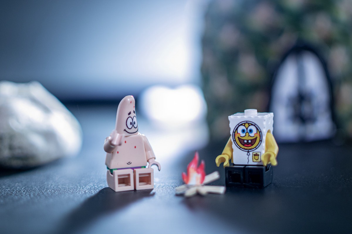 Lego Spongebob and Patrick Star on a camping trip