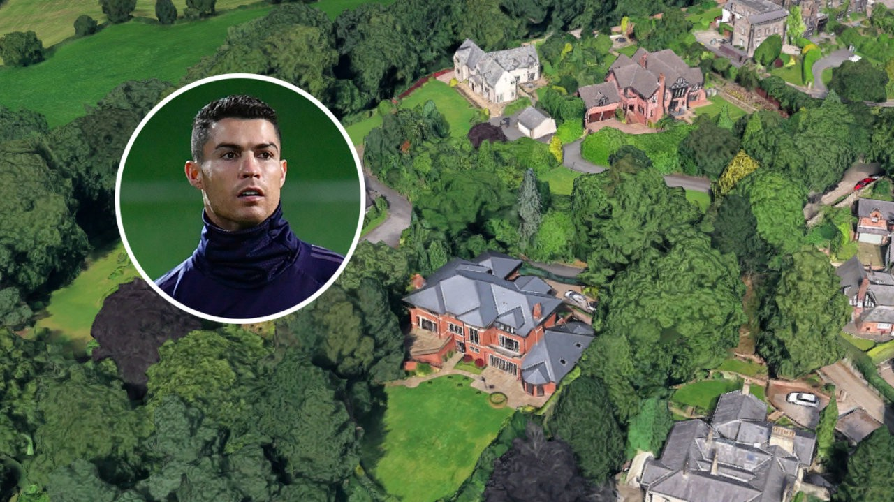 Cristiano Ronaldo Selling Former Manchester Mansion For 3 25m