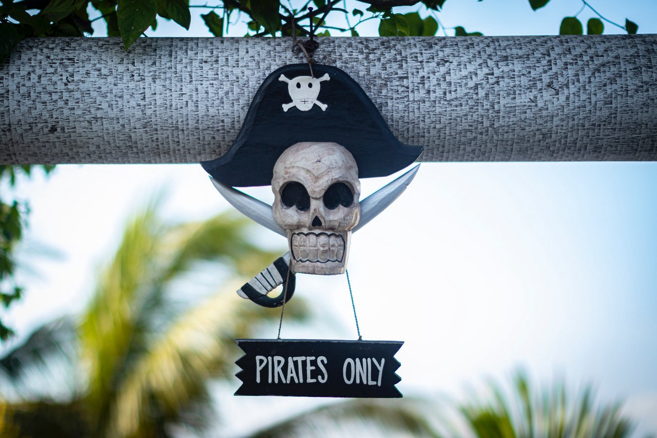 Pirate skull inviting only true pirates