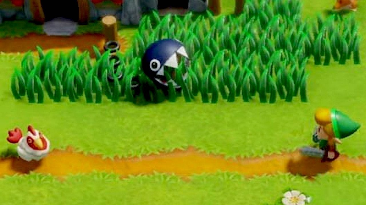 Chain Chomp hiding in grass waiting to bite Link.