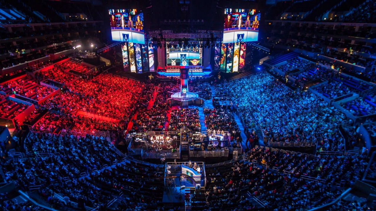 League of Legends is a great spectator e-sport, but that's it
