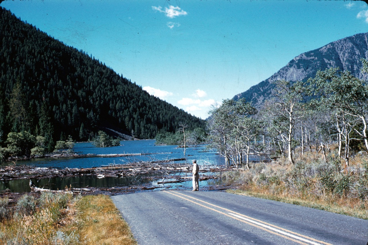 This massive Yellowstone earthquake destroyed a mountain and created