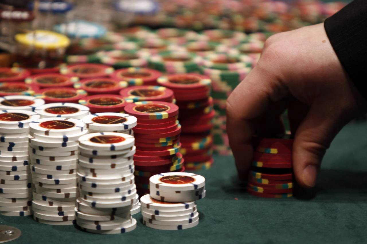 To Play Online Poker Online Discover The Fundamentals Of Holdem By Poker Online Medium