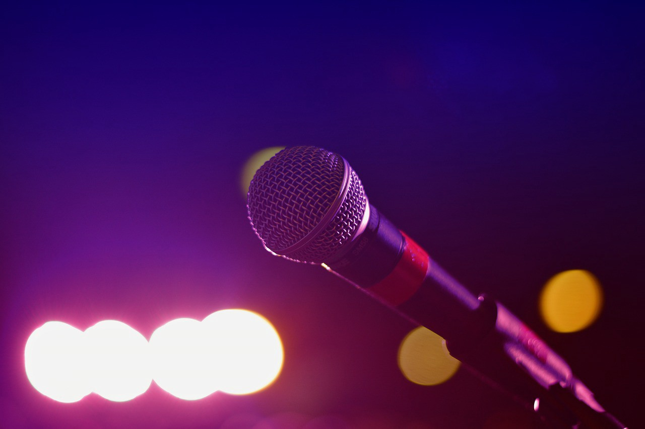 Sing your heart out with this voice-controlled Karaoke App for