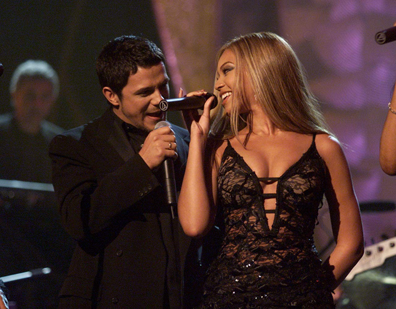Your burning questions about Alejandro Sanz: ANSWERED | by Kristen Pyszczyk | Medium