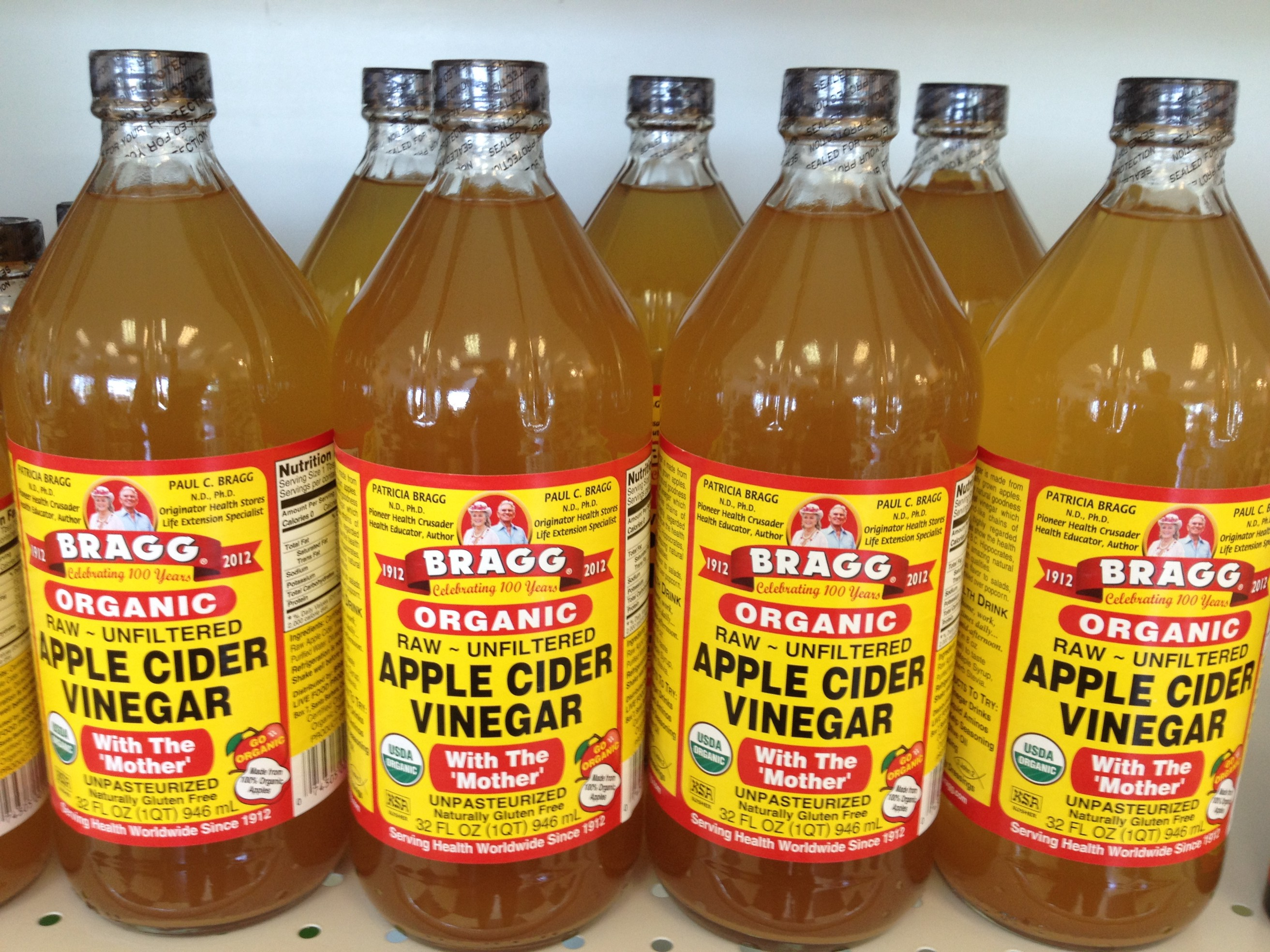 What do you mix with apple cider vinegar to help lose weight