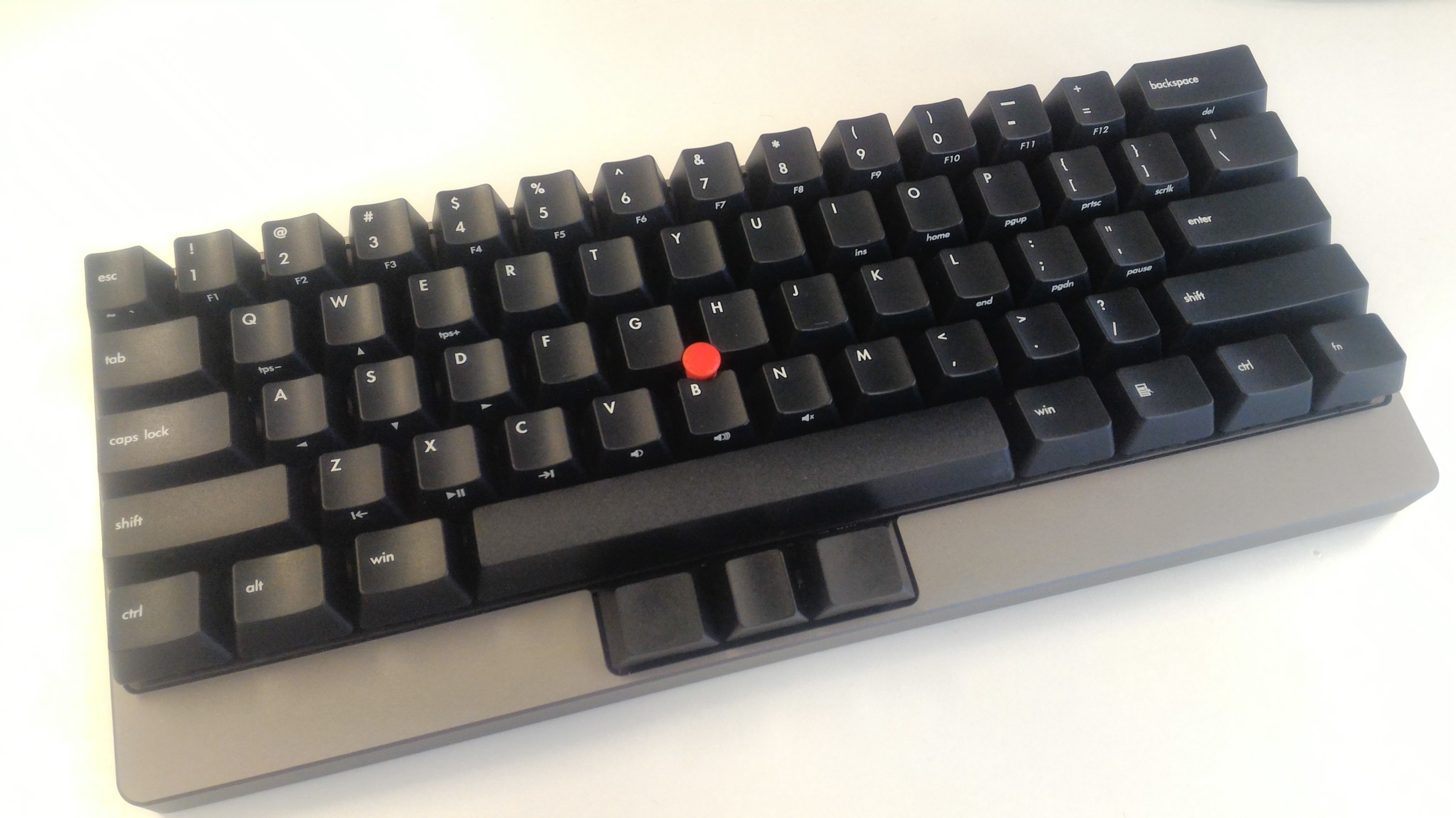 TEX Yoda II Mechanical Keyboard with Trackpoint Review