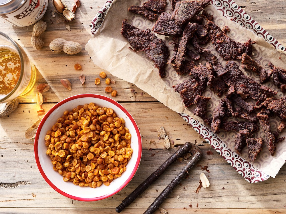 3 Types Of Jerky To Eat While Drinking Beer Mantry Medium