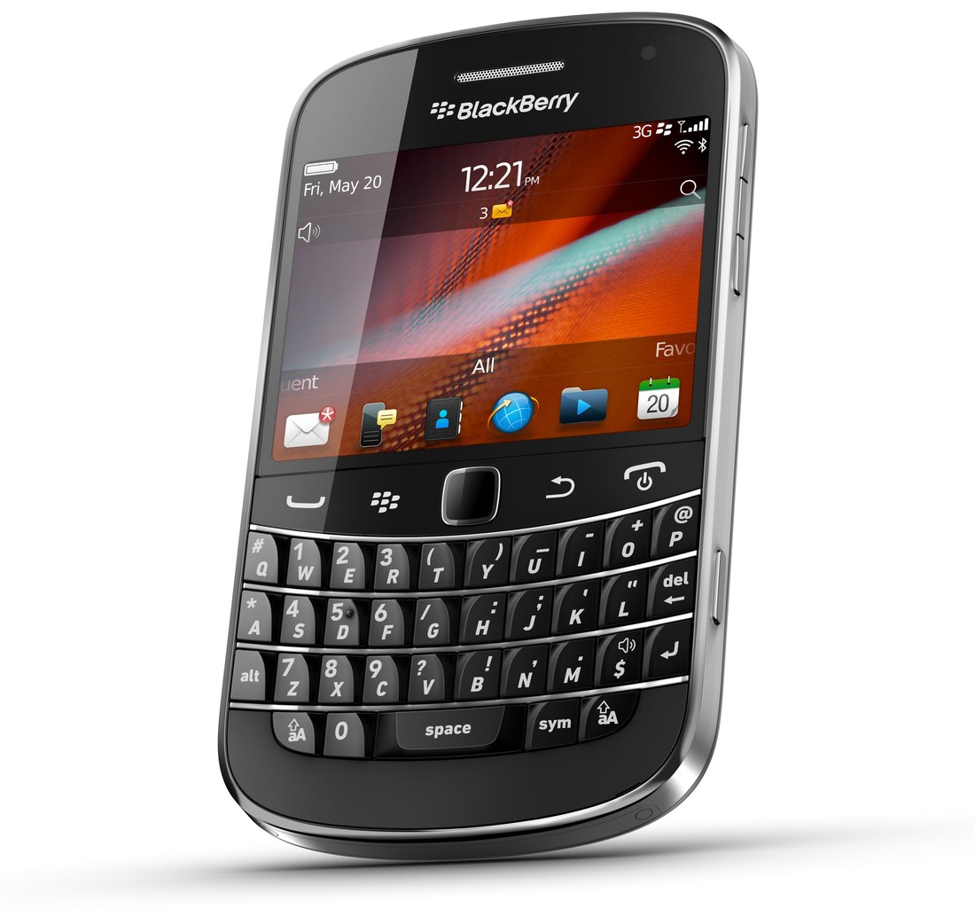1f92d0a377e Why I'm going back to an old BlackBerry - Dallin Crump - Medium