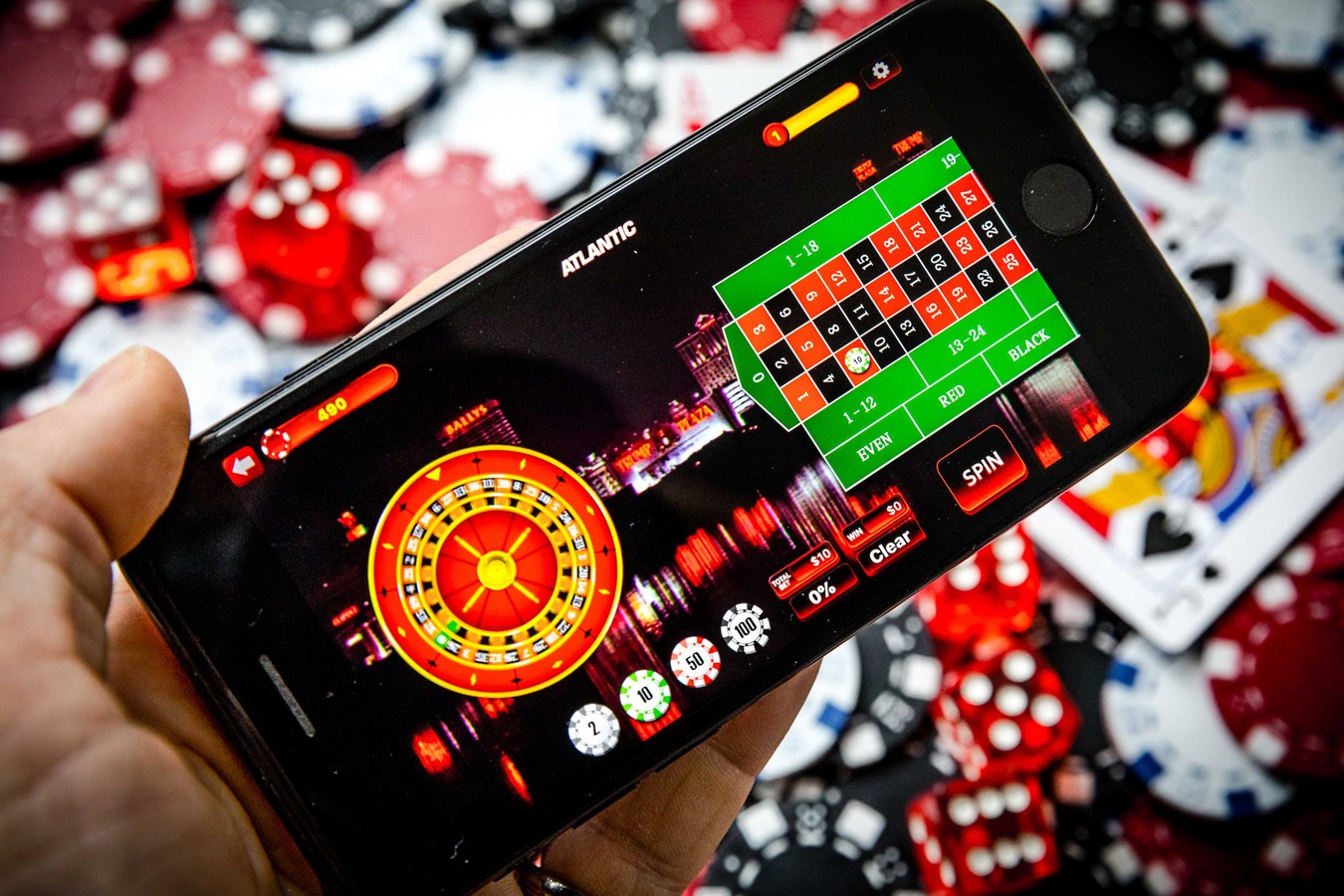 How is Mobile casino different from Online Casino? | by Eugenia Milanesi |  Medium