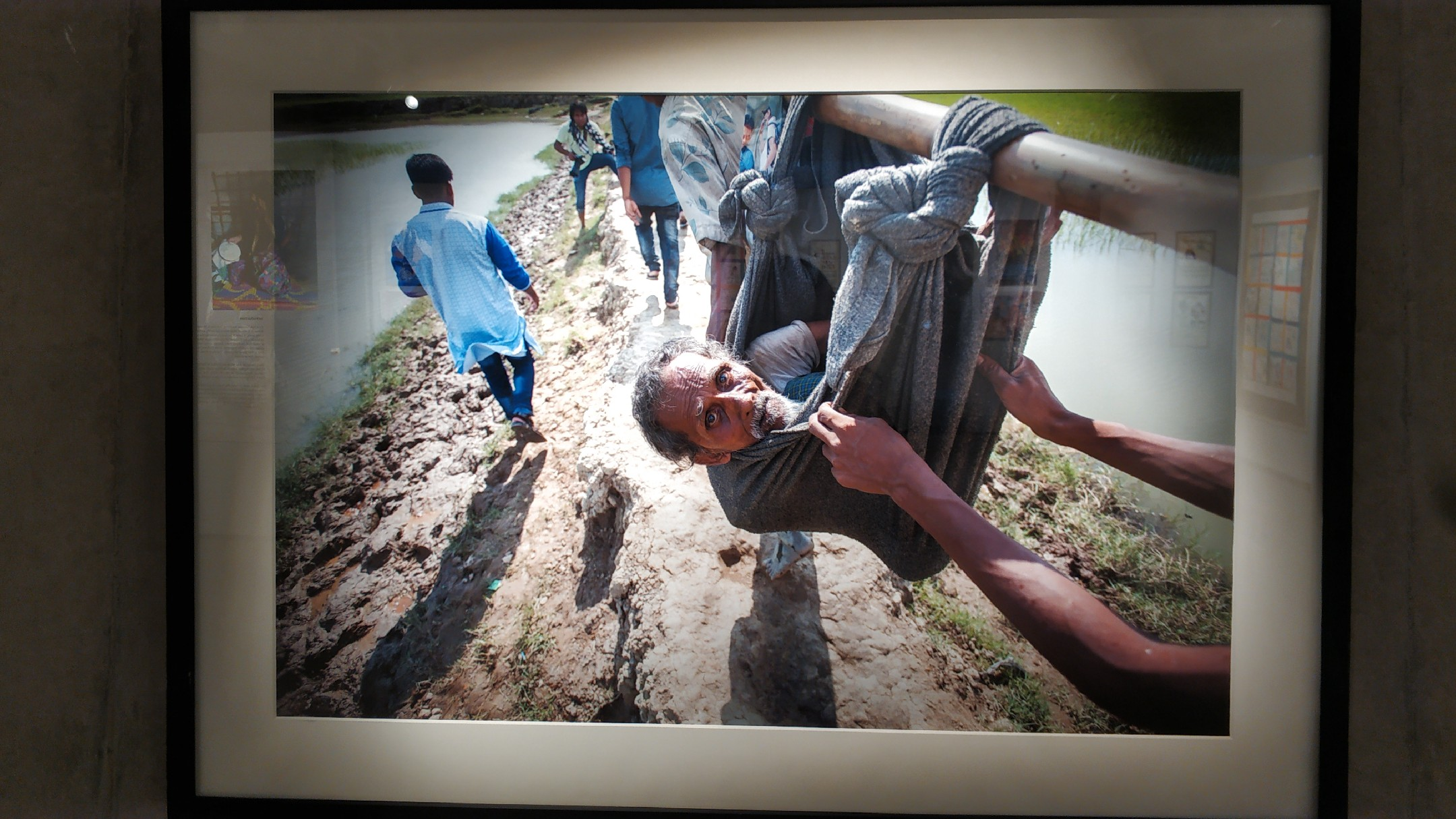 """Picture of refugees from the exhibition """"Photos of Rohingya Exodus"""""""