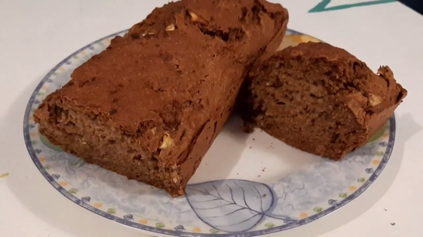 a simple, healthy, and classic gluten-free banana bread recipe, that is vegan