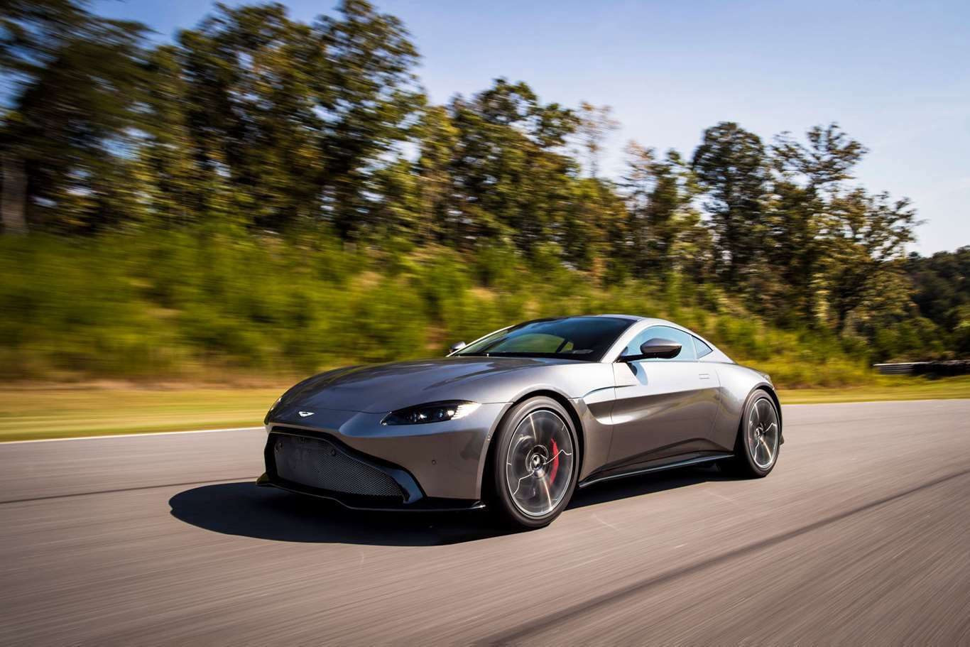 High End Cars >> Cars 2019 Aston Martin Vantage Gives High End Buyers A True