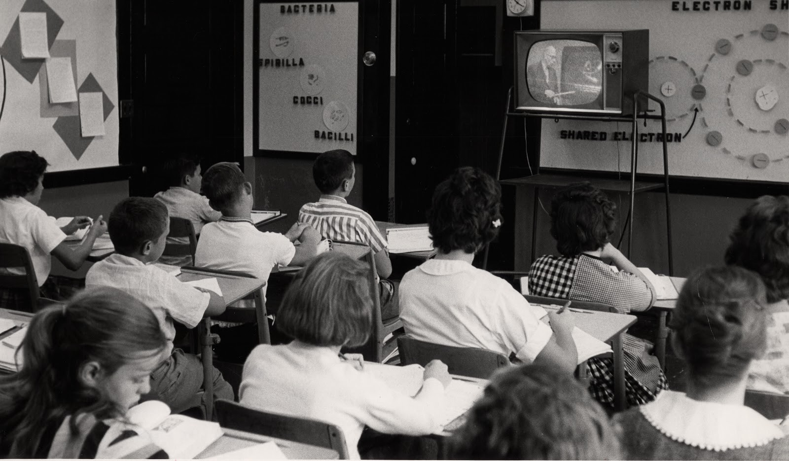 Why there are so many video lectures in online learning, and