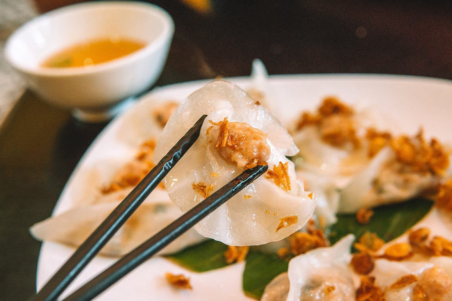 10 Vietnamese dishes you must try when you travel Hoi An Vietnam - Banh bao banh vac (White rose dumplings)