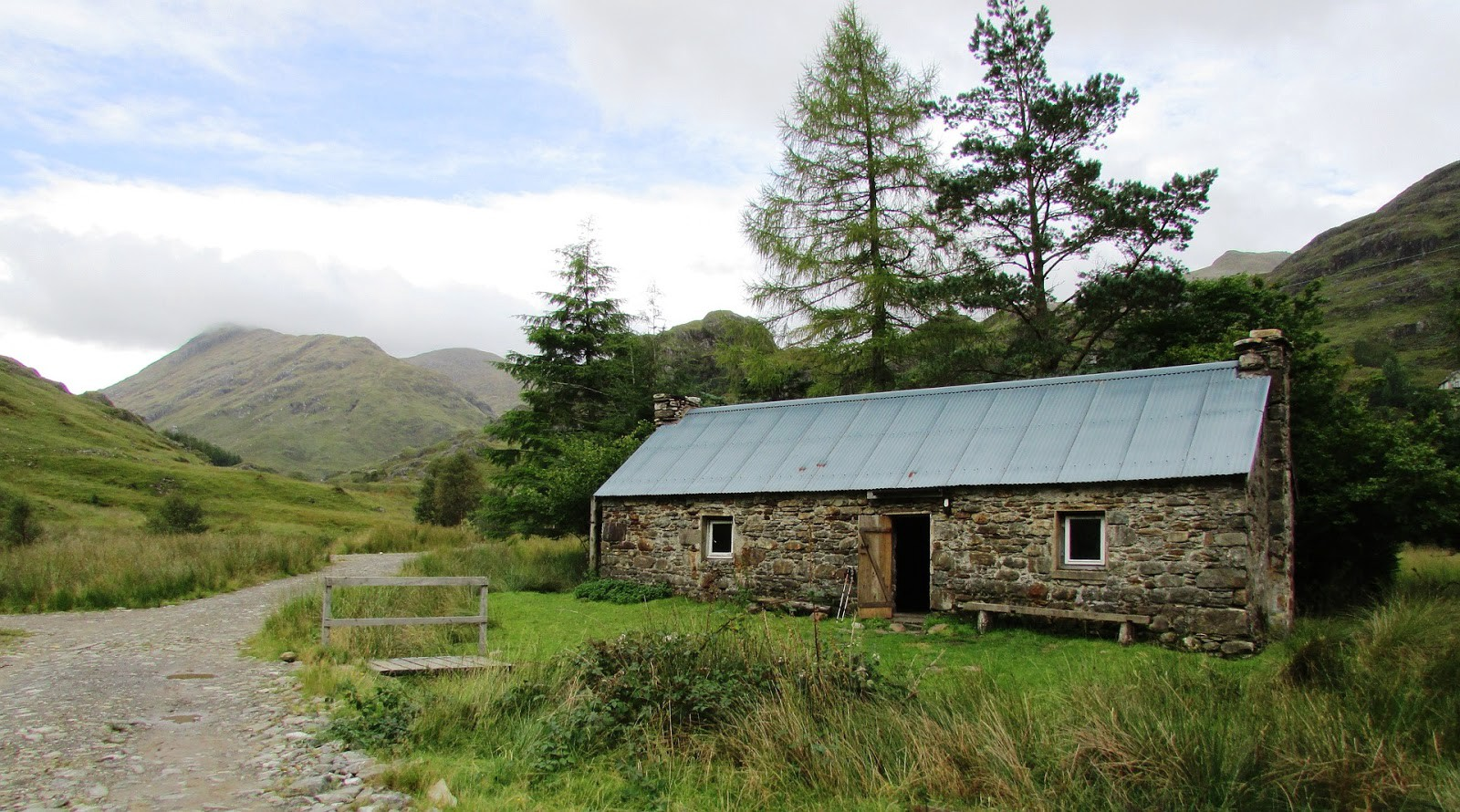 Wild Camping Spots UK: 20 of the Best Places to Wild Camp ...
