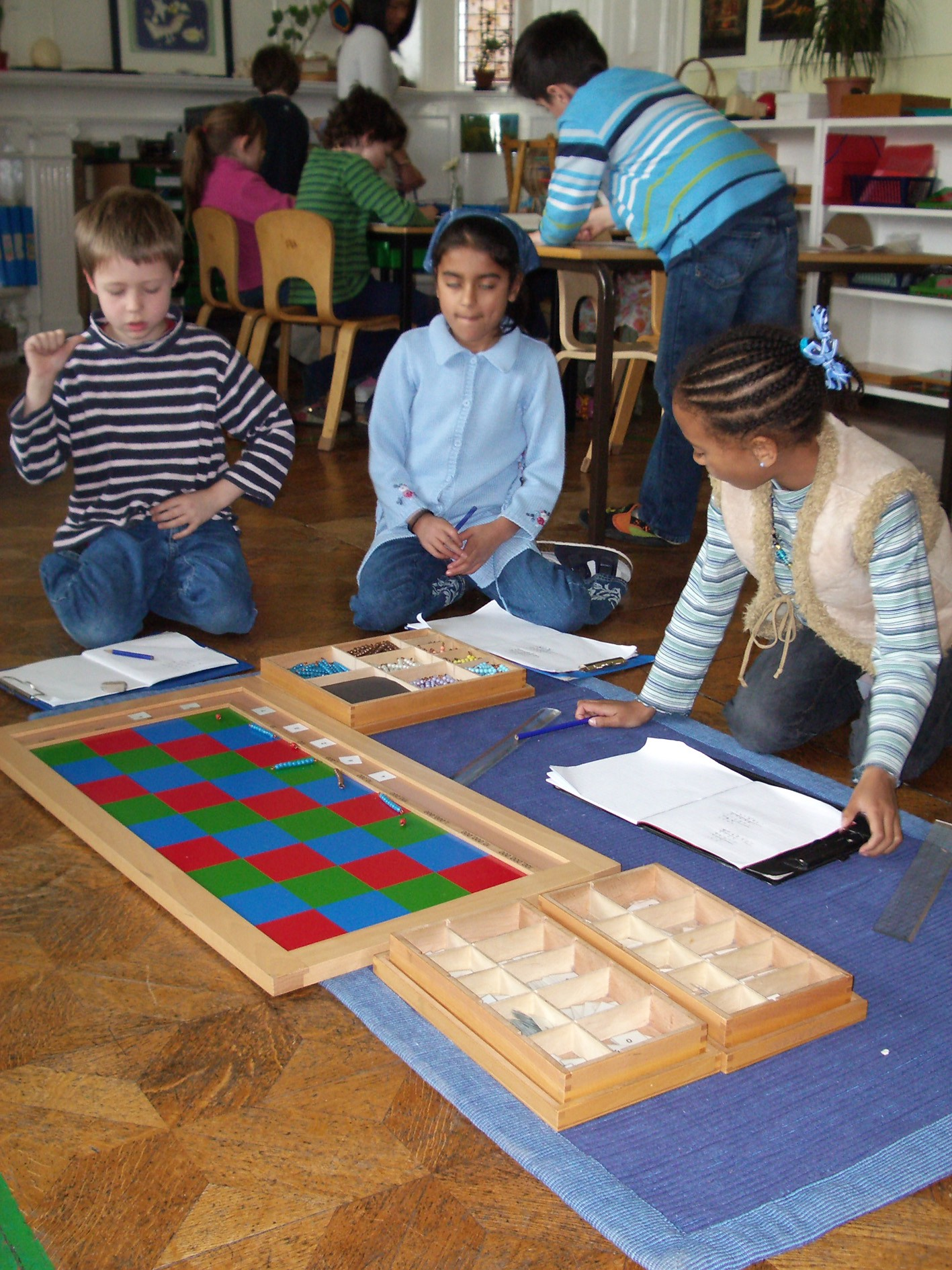 montessori method pros and cons